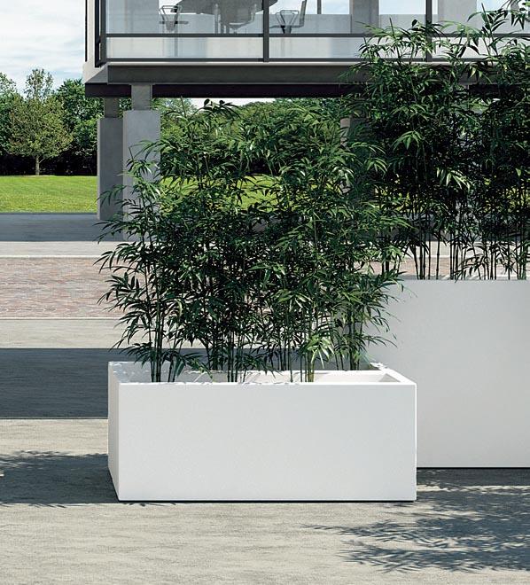 Grande jardini re rectangulaire en r sine for Pot exterieur xxl