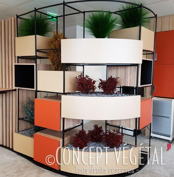 animation v g tale dans un meuble sur mesure chez l 39 or al. Black Bedroom Furniture Sets. Home Design Ideas